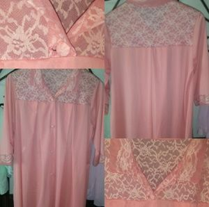 Pinkish Peach Vintage Medium Nightgown